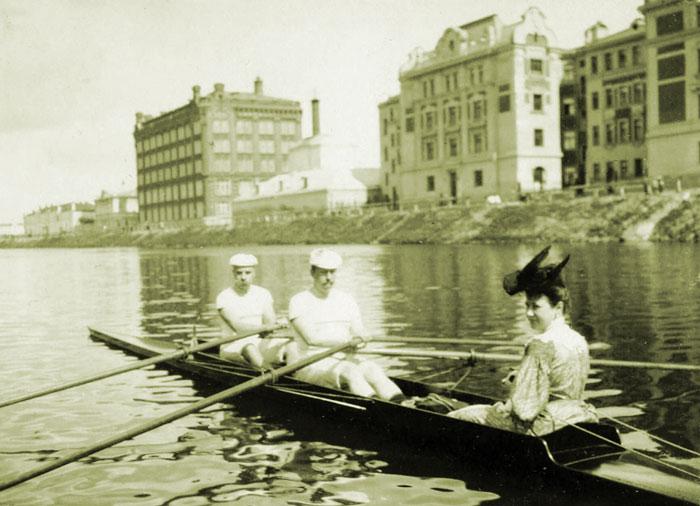 Яхт клубы москвы история восточные клубы рестораны в москве