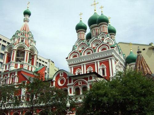 Храм Троицы Живоначальной в Никитниках в Москве