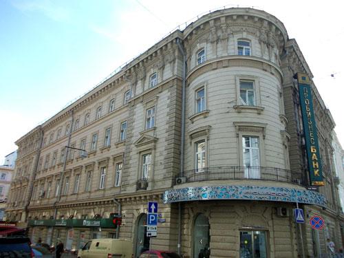 Москва, улица Петровка, дом 18