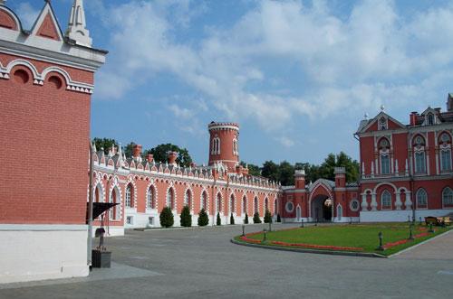 Петровский дворец у метро Динамо