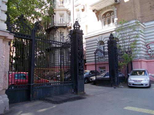 Ограда архитектора фон Дессина