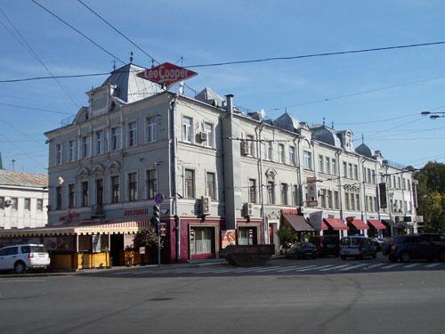 Улица Петровка, дом 30 в Москве