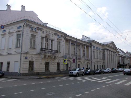 Улица Пречистенка, 19/Сеченовский переулок, 11 в Москве