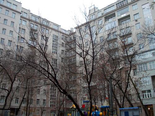 Внутренний двор - Серафимовича, 2
