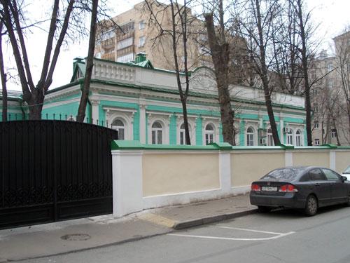 Гагаринский переулок, 18 в Москве