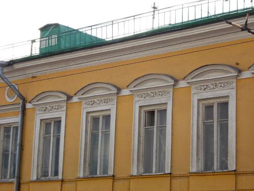 Бывшее владение Озерова-Молчановых-Оловянишниковых на улице Покровке в Москве