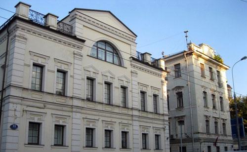 Улица Пятницкая, 49 в Москве - Дом Исаева