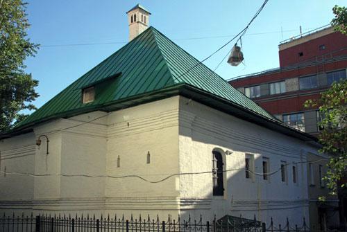 Средний Овчинниковский переулок, 10 - Приказная изба в Москве