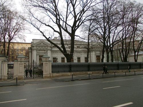 Улица Воздвиженка, дом 14 в Москве