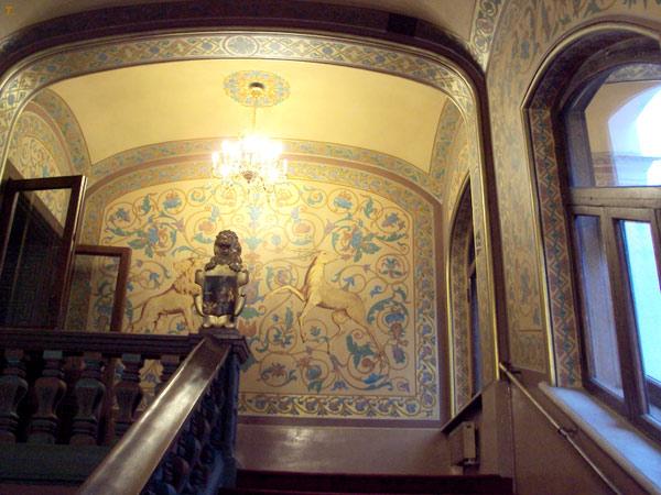 Юсуповский дворец в Большом Харитоньевском переулке в Москве