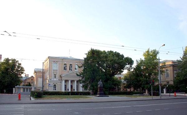 Улица Большая Пироговская, 2
