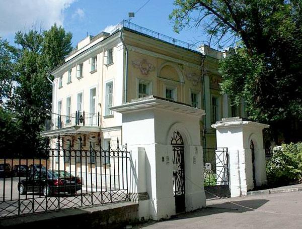 Петроверигский переулок, дом 4 в Москве