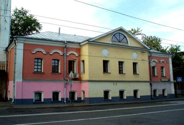 Самое старое здание в Москве за Земляным валом