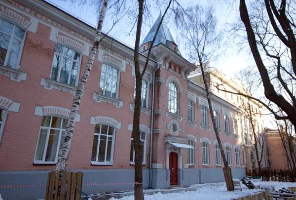 Коронационное убежище на улице Короленко в Москве