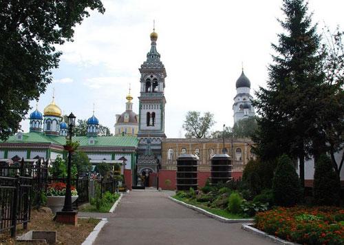 Храм святителя Николая Мирликийского на Рогожском кладбище в Москве