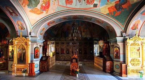 Покровский храм на Волоколамском шоссе в Москве