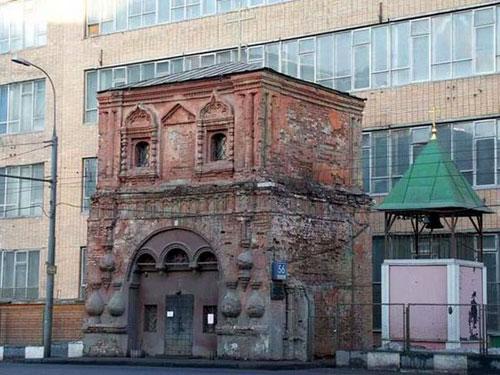 Рождественский храм на Бутырской улице в Москве
