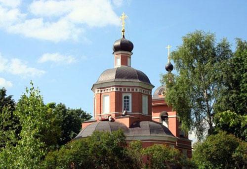 Храм Рождества Христова в Черневе в Москве