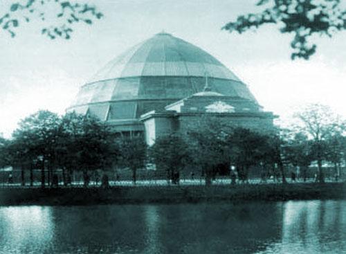 """Старое здание панорамы """"Бородинская битва"""" на Чистопрудном бульваре"""
