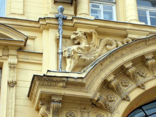Доходный дом князя Гагарина на Кузнецком Мосту, 19 - фото лепнины.