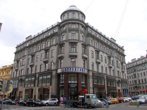 Улица Кузнецкий Мост, 21/5 в Москве - фото.