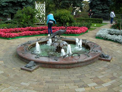 Фонтан в Тайницком саду на территории московского Кремля