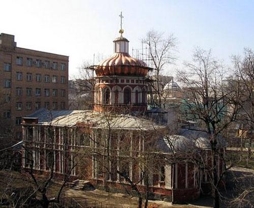 Храм преподобного Алексия Ново-Алексеевского монастыря