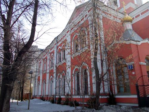 Церковь на Измайловском шоссе, дом 2 у метро Семеновская