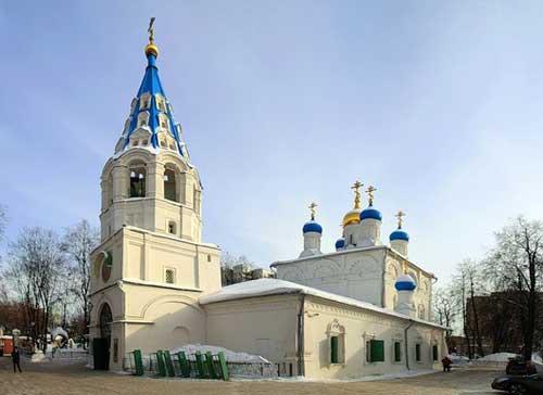 Храм апостолов Петра и Павла в Лефортово