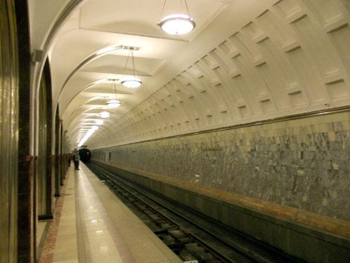 Маяковская находится на Замосковорецкой линии