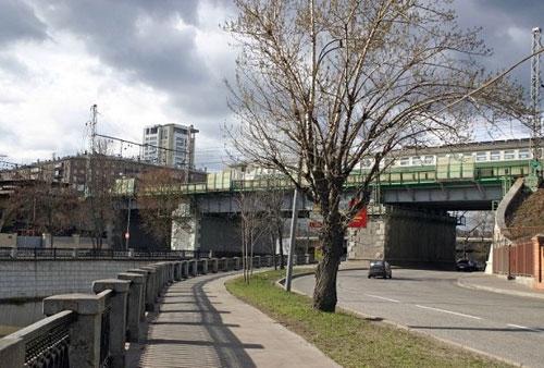 Электрозаводский мост через Яузу в Москве