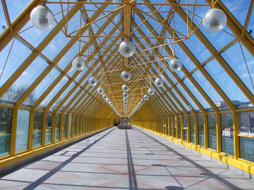 galereya-pushkinskogo-mosta.jpg