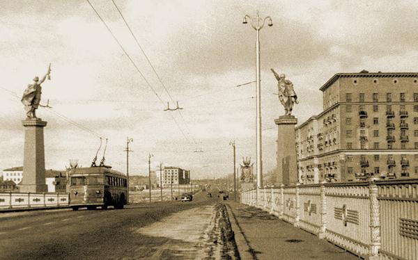Мост Победы в Москве на Ленинградском шоссе