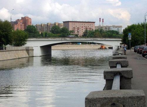 Шлюзовой мост в Москве