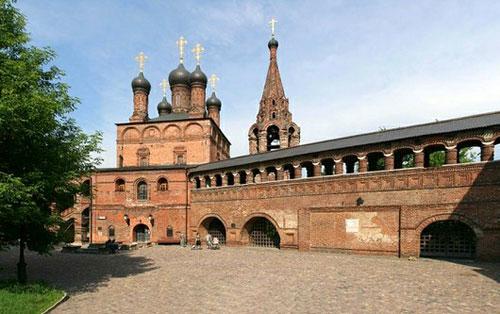 Крутицкое патриаршее подворье в Москве