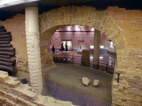 Экспозиция Музея археологии