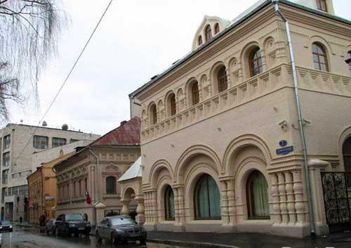 Музей Матрешки в Леонтьевском переулке в Москве