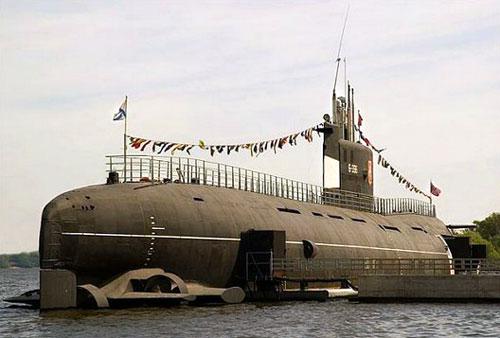 Музей-подводная лодка в Москве (ДПЛ Б-396 «Новосибирский комсомолец»)