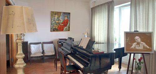 Гостиная в мемориальной квартире Рихтера
