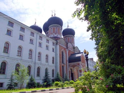 Покровский собор в Измайлово.
