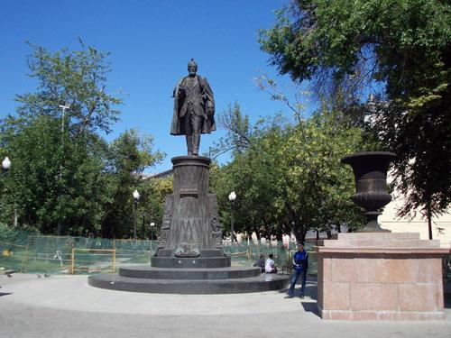 Памятник Шухову на Сретенском бульваре