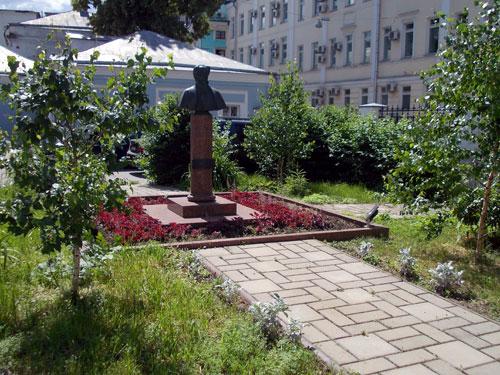 Памятник Тютчеву в Москве