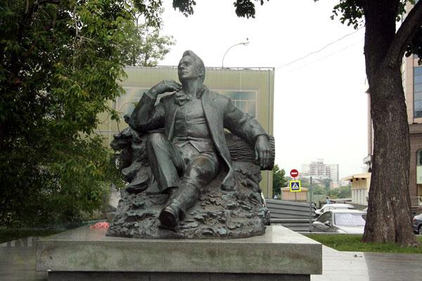 Памятник Шаляпину в Москве