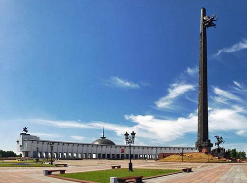 Поклонная гора (Парк Победы) в Москве