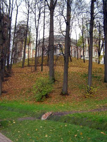 "Заповедник Царицыно: ""пирамида"" французского парка"