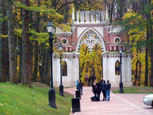 Царицыно в Москве: фигурные виноградные ворота