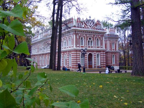 Царицыно: средний дворец - оперный дом