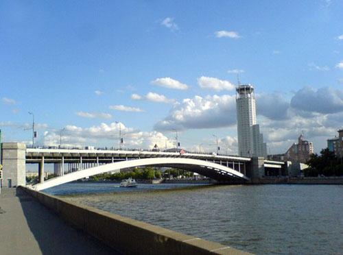 Большой Краснохолмский мост в Москве