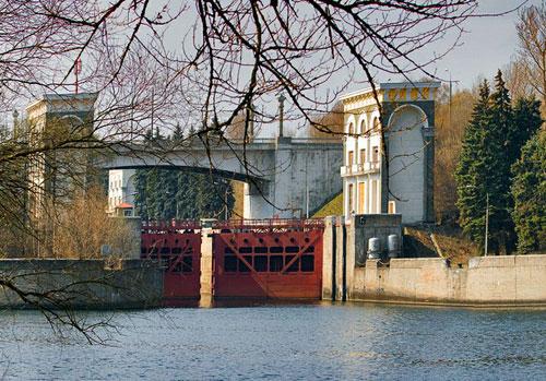 Карамышевский мост в Москве