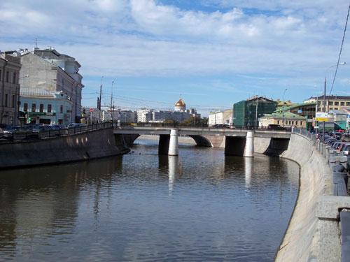Чугунный мост в Москве